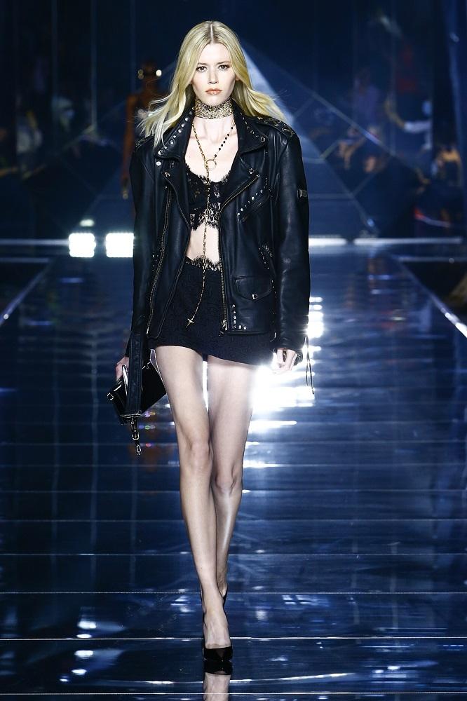 Новая весенне-летняя коллекция Dolce&Gabbana 2022 — там, где прошлое встречается с будущим-Фото 17
