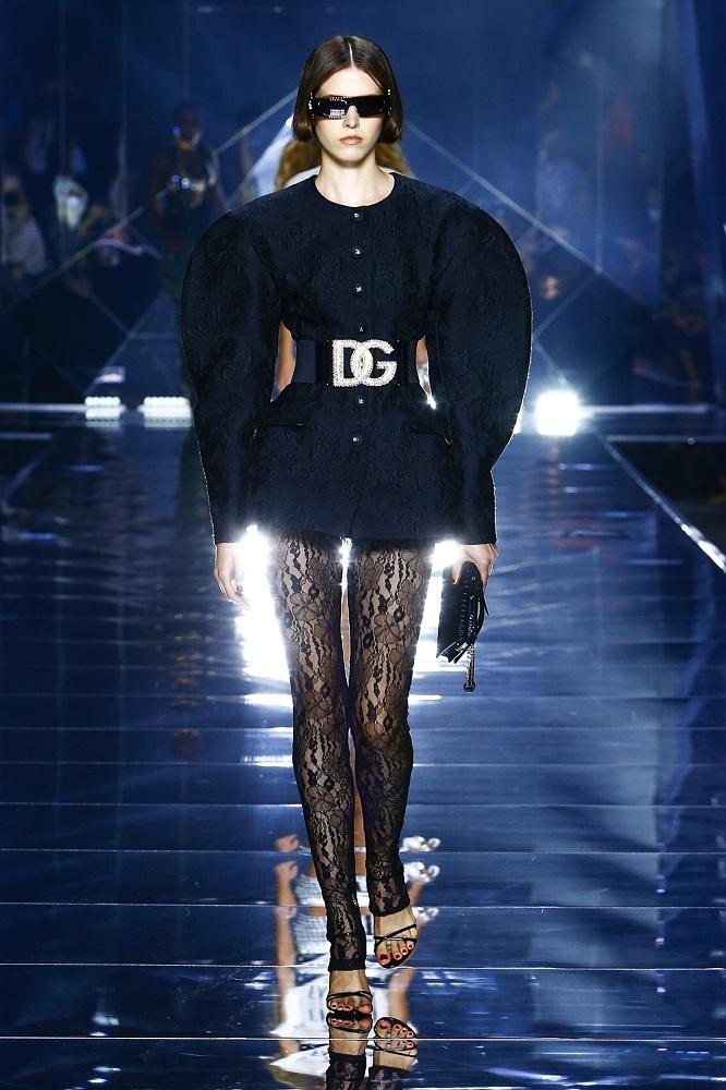 Новая весенне-летняя коллекция Dolce&Gabbana 2022 — там, где прошлое встречается с будущим-Фото 11