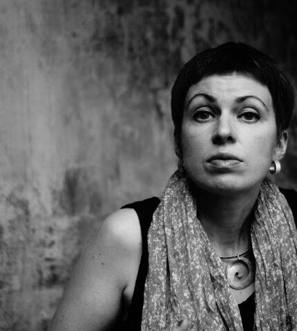 Про що жінка мовчить: Наталка Сняданко,письменниця, фіналістка нагороди міста літератури ЮНЕСКО 2019-430x480