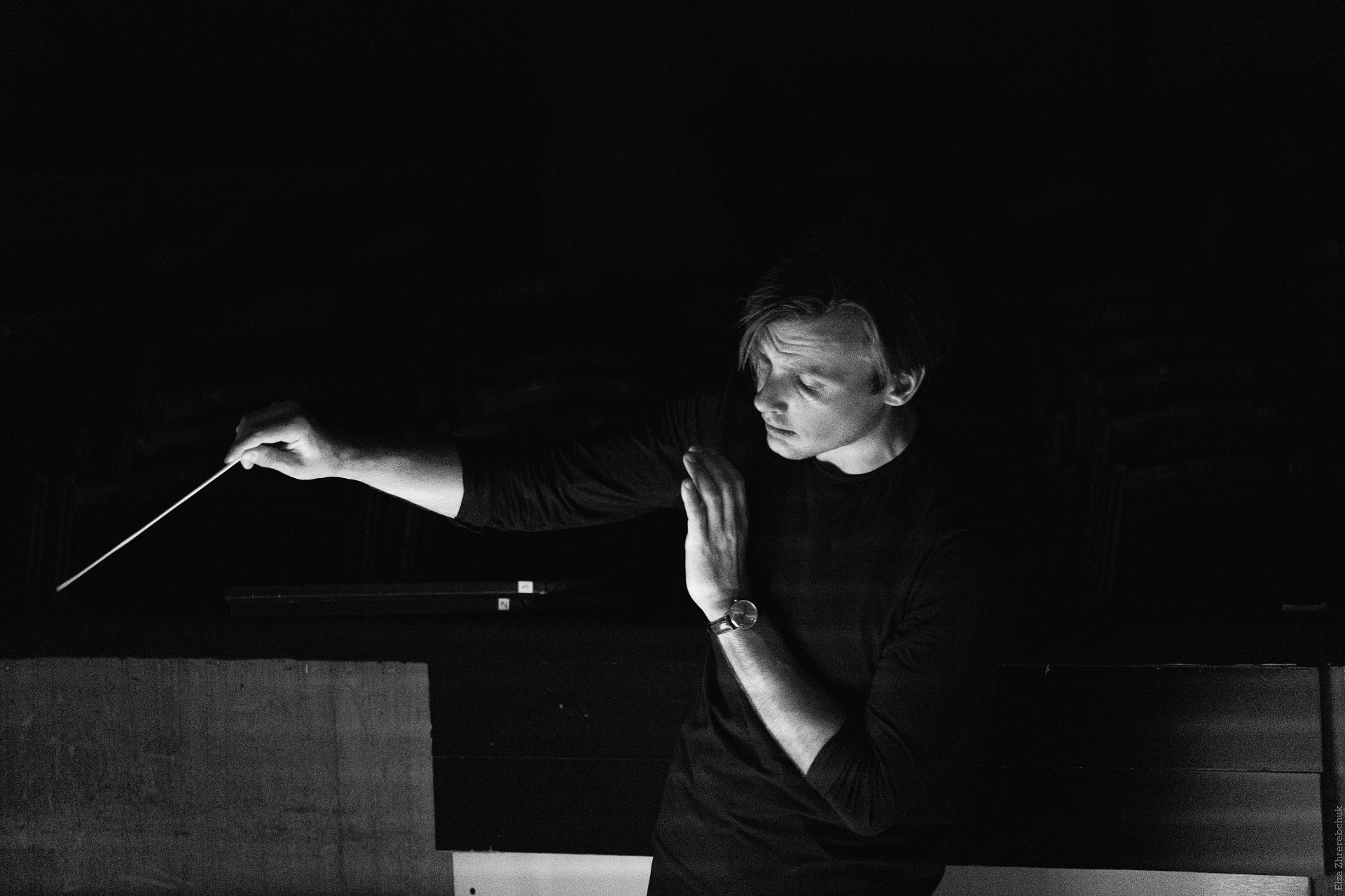 Мужчина говорит: Виталий Алексеенок, дирижер из Беларуси-Фото 3