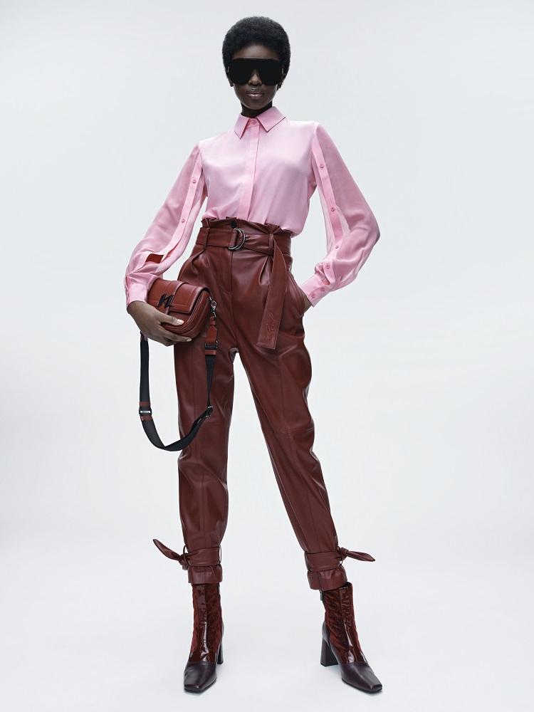 Кинематограф и мода: Новая коллекция KARL LAGERFELD осень-зима 2021-Фото 13