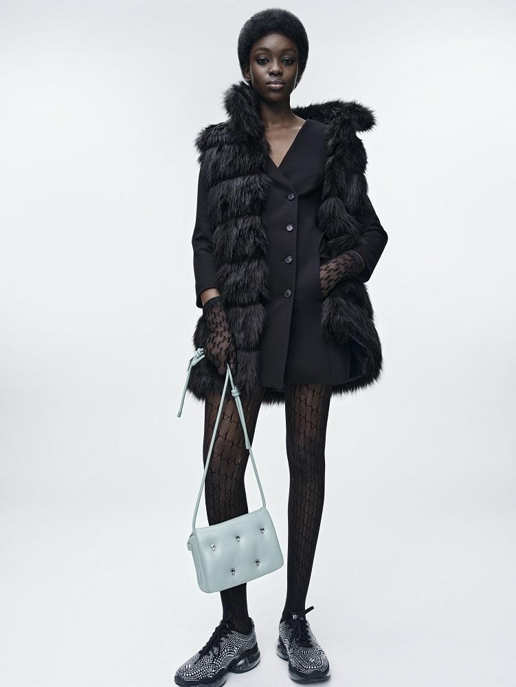 Кинематограф и мода: Новая коллекция KARL LAGERFELD осень-зима 2021-Фото 6