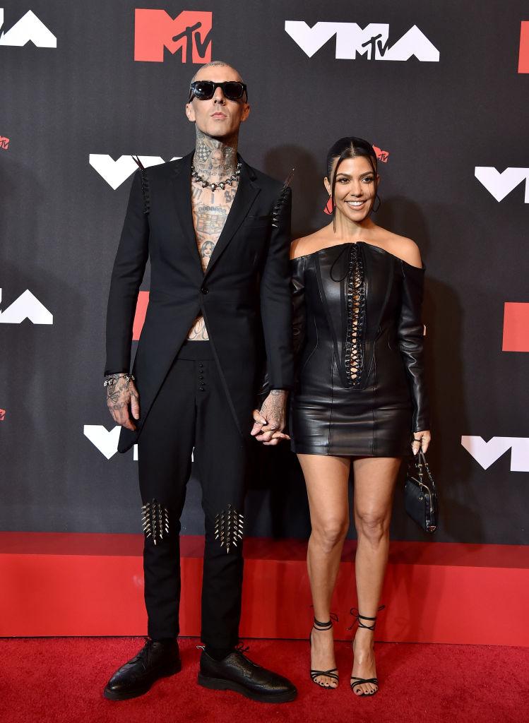 MTV Video Awards 2021: Обзор лучших образов звездных гостей-Фото 2