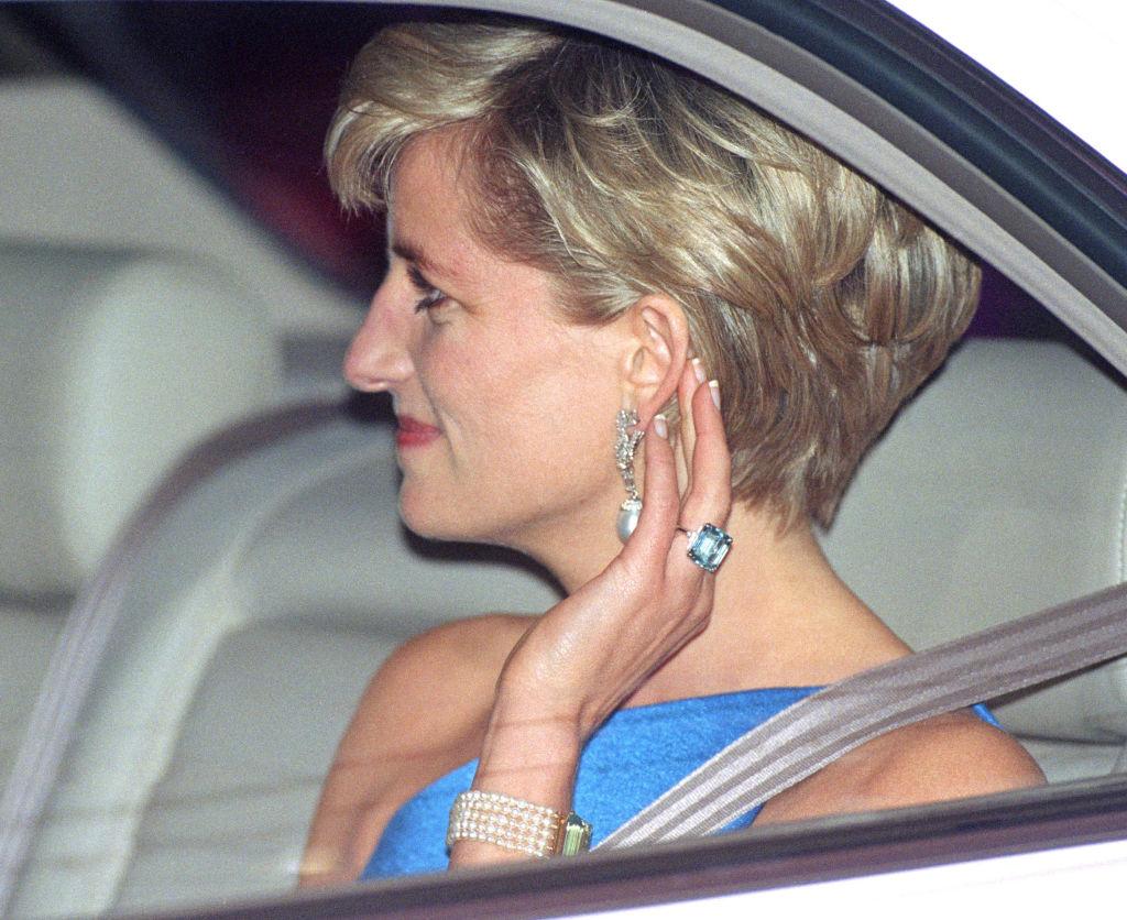 Чья коллекция ювелирных украшений дороже: МеганМаркл, Кейт Миддлтон или принцессы Дианы-Фото 6