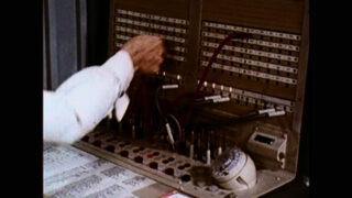 «Я хочу стати секретаркою»: Режисерка Сара Вуд про новий фільм та документалізм-320x180