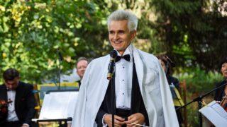 Медики співали, а музиканти лікували: Симфонічний оркестр «Київ-Класик» виступив разом із солістками-працівницями шпиталю-320x180