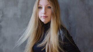 #bookshelfy: Вікторія Амеліна, письменниця, авторка книжок для дорослих та дітей-320x180