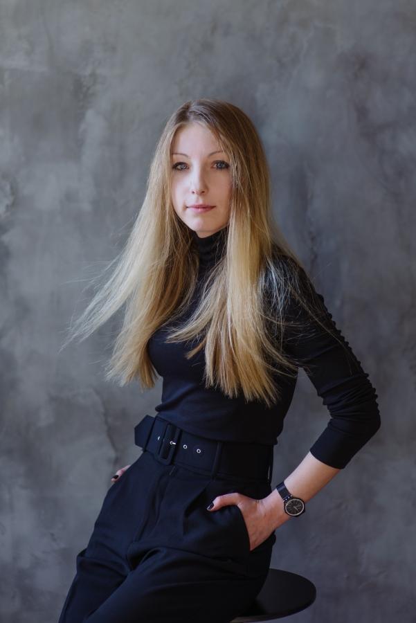 #bookshelfy: Вікторія Амеліна, письменниця, авторка книжок для дорослих та дітей-Фото 1