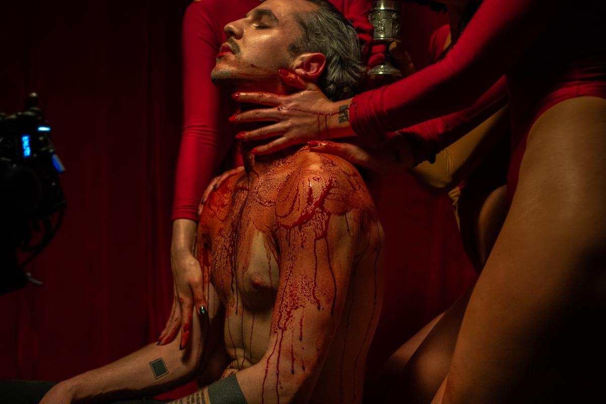 Кривавий хорор: Lady Aphina презентує дебютний сингл та кліп-Фото 3