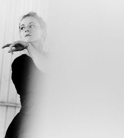 Про що мовчить жінка: Акторка та режисерка Христина Слободянюк-430x480