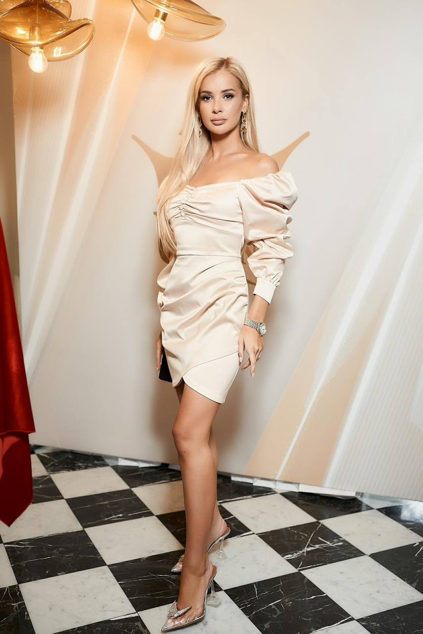 Нову корону вартістю 3 млн доларів для «Міс Україна – 2021» вже привезли до Києва-Фото 4