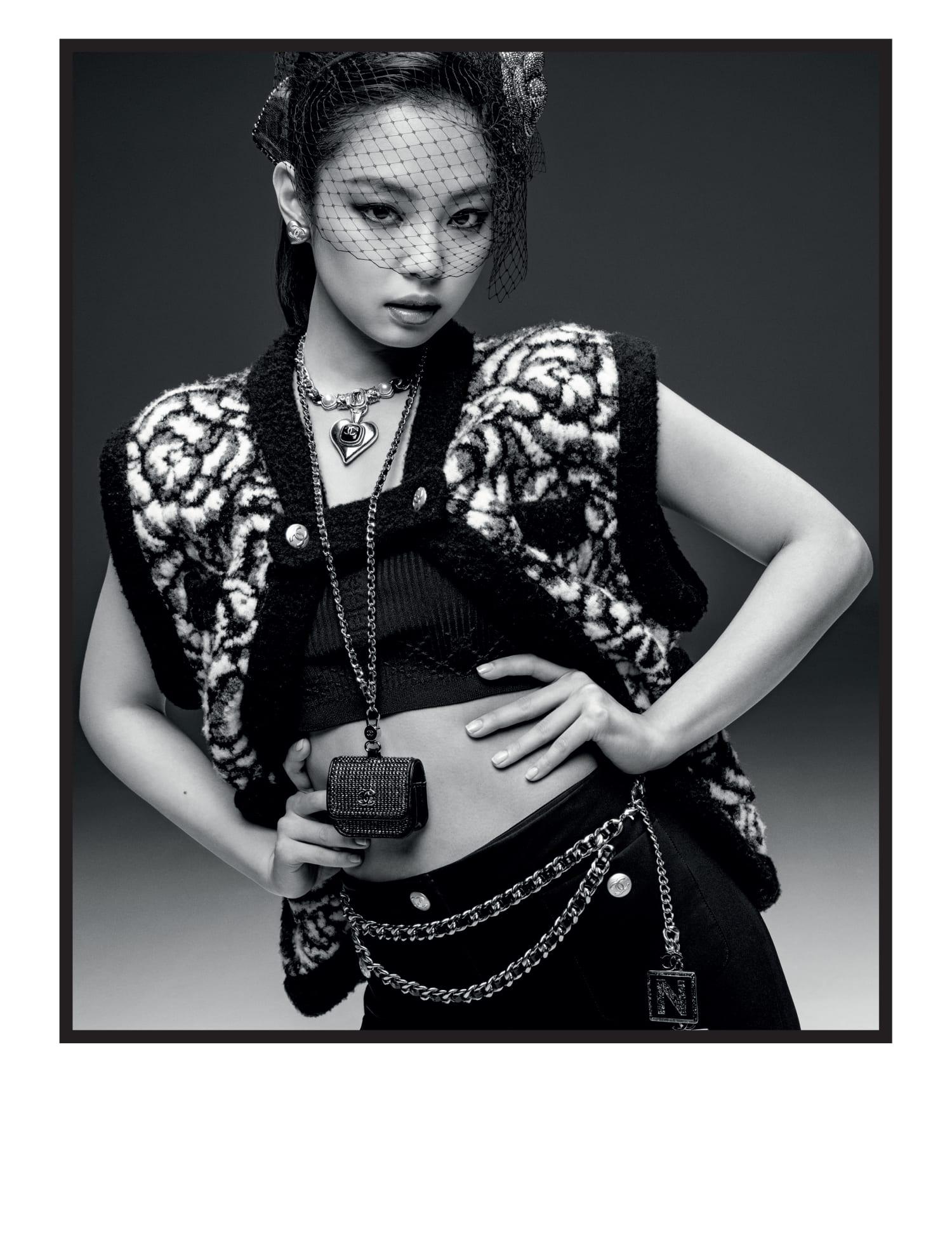 Исполнительница K-pop группы стала новым лицом рекламной кампании Chanel-Фото 4