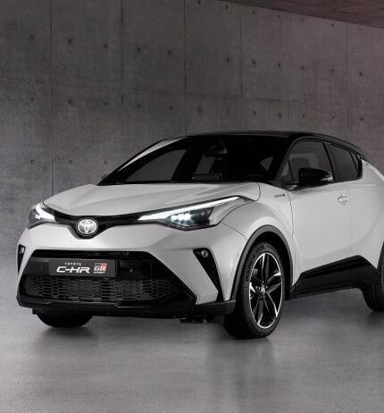 Тест драйв:Toyota CH-R в новой версииGR Sport-430x480