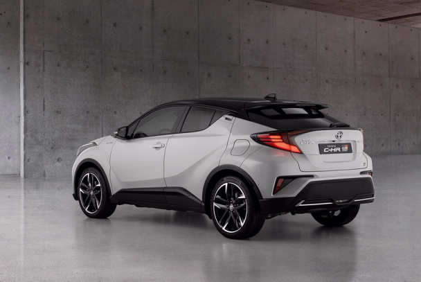 Тест драйв:Toyota CH-R в новой версииGR Sport-Фото 2