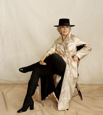 Джейн Фонда спустя 62 года появилась на обложке своего первого глянца-430x480