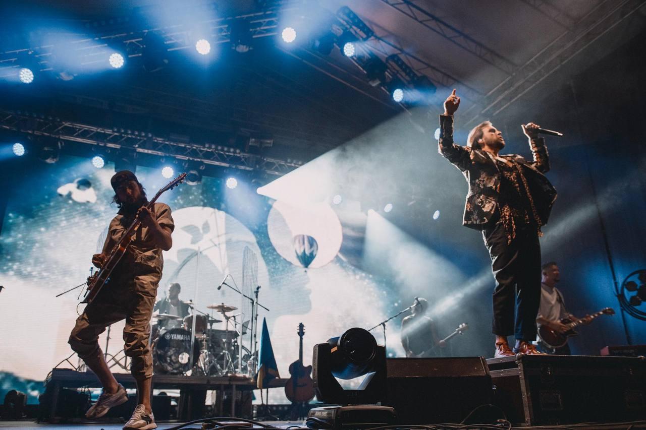 Щиро, душевно, патріотично: Рок-гурт БЕZ ОБМЕЖЕНЬ відіграв великий сольний концерт у Києві-Фото 3