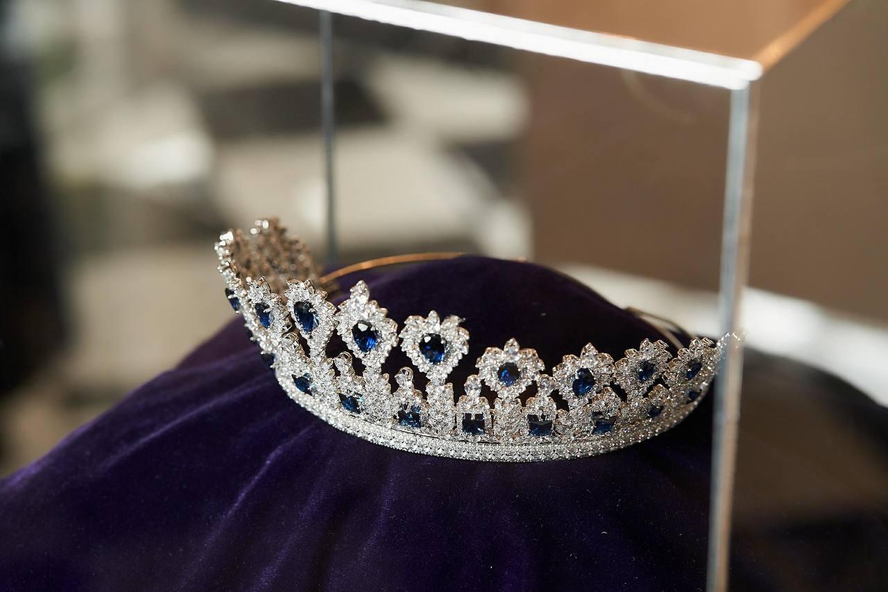 Нову корону вартістю 3 млн доларів для «Міс Україна – 2021» вже привезли до Києва-Фото 2