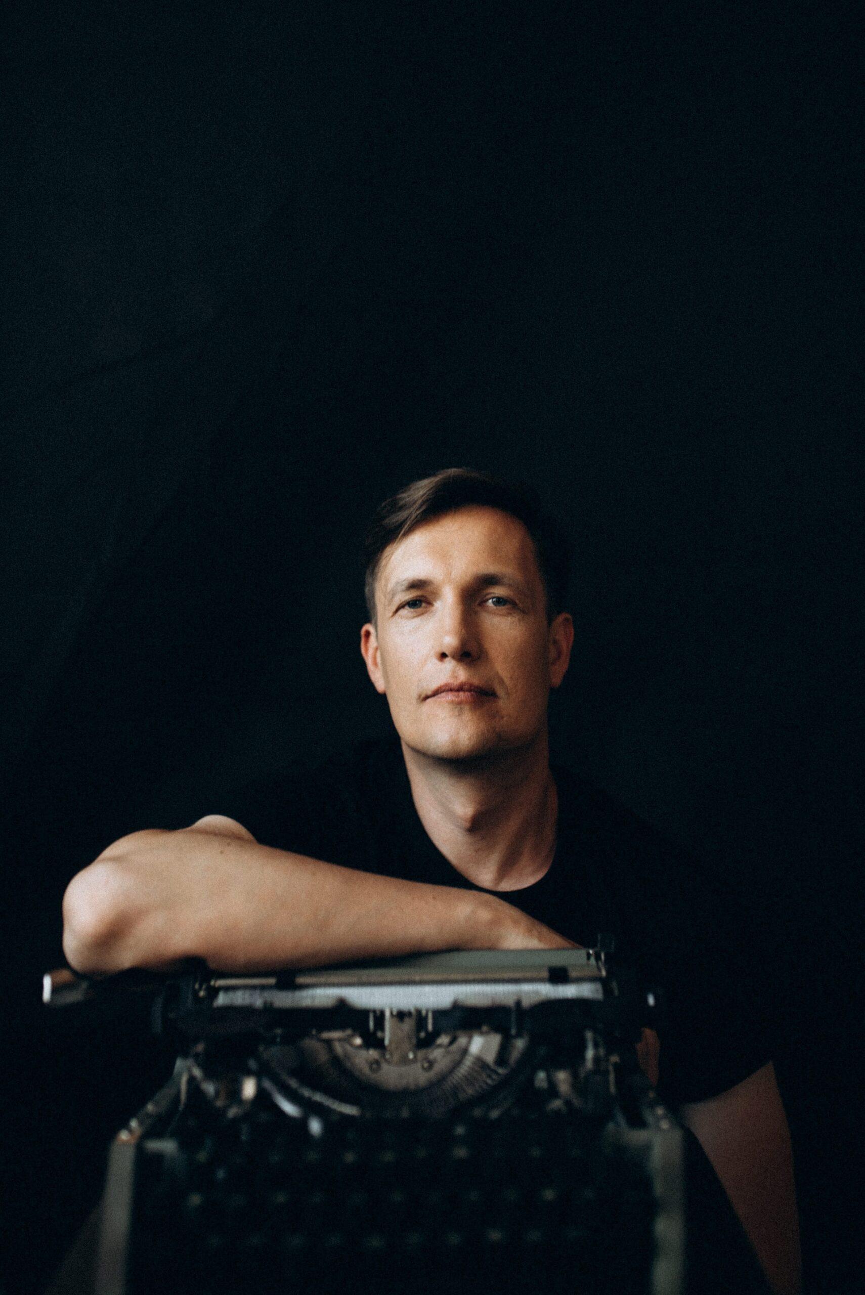 Мужчина говорит: Макс Кідрук, письменник, мандрівник-Фото 1