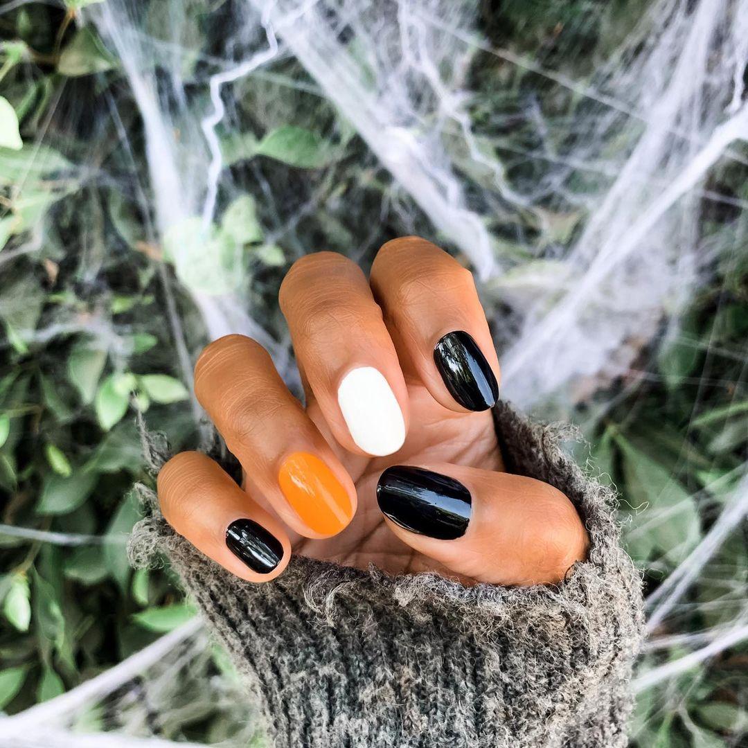 Маникюр на Хэллоуин: 20 необычных идей-Фото 16