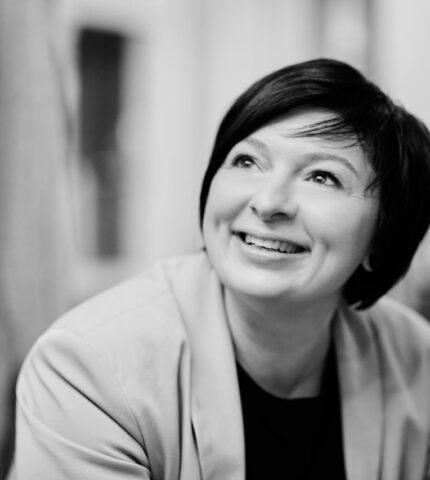 Про що мовчить жінка: Христина Бобкова, українська дизайнерка-430x480