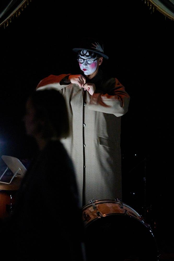 Мистический лес, Dakh Daughters Band и метаморфозы: Lake Studio представил новую коллекцию «На клеточном уровне»-Фото 7