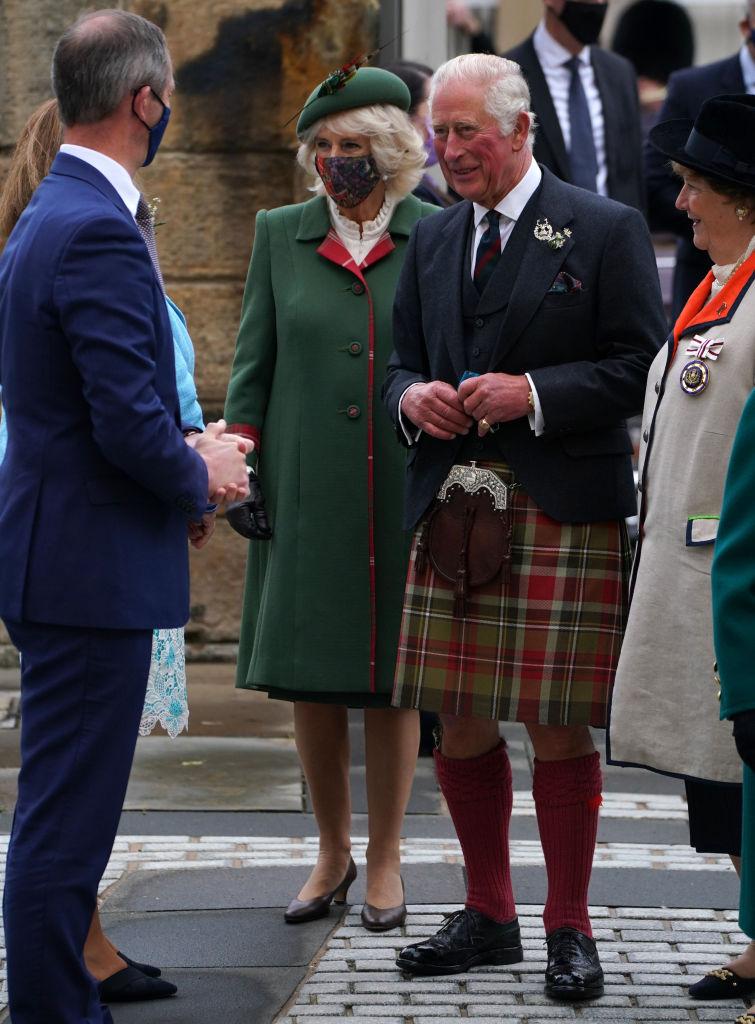Королева Елизавета II впервые заговорила о принце Филиппе после его смерти-Фото 3