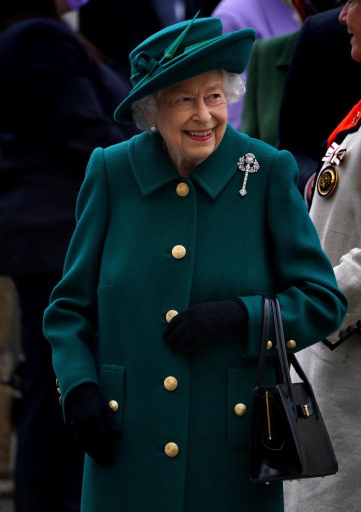 Королева Елизавета II впервые заговорила о принце Филиппе после его смерти-Фото 2