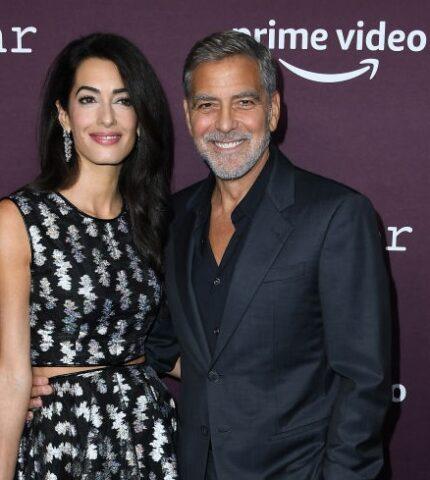 Давно не виделись: Джордж и Амаль Клуни вышли в свет спустя долгое время-430x480