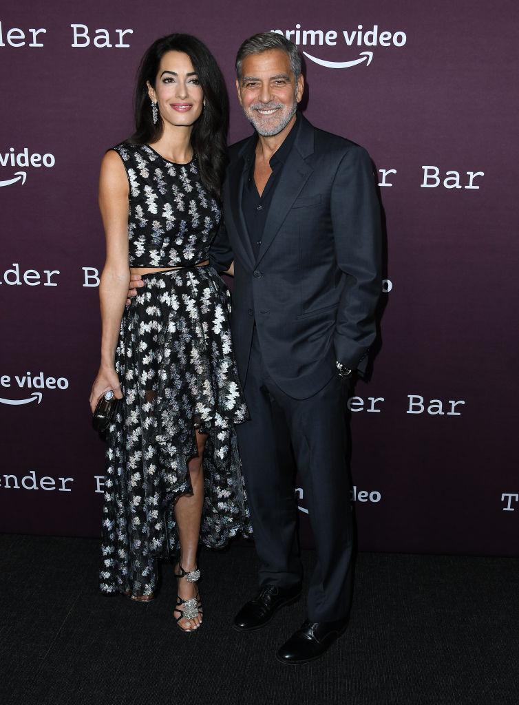 Давно не виделись: Джордж и Амаль Клуни вышли в свет спустя долгое время-Фото 1