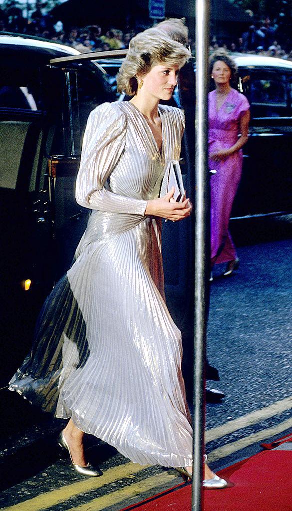 Премьерный показ: Кейт Миддлтон вновь повторила образ принцессы Дианы-Фото 3
