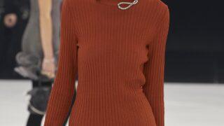 Модный скандал: Бренд Givenchy обвиняют вгламуризациисуицида-320x180