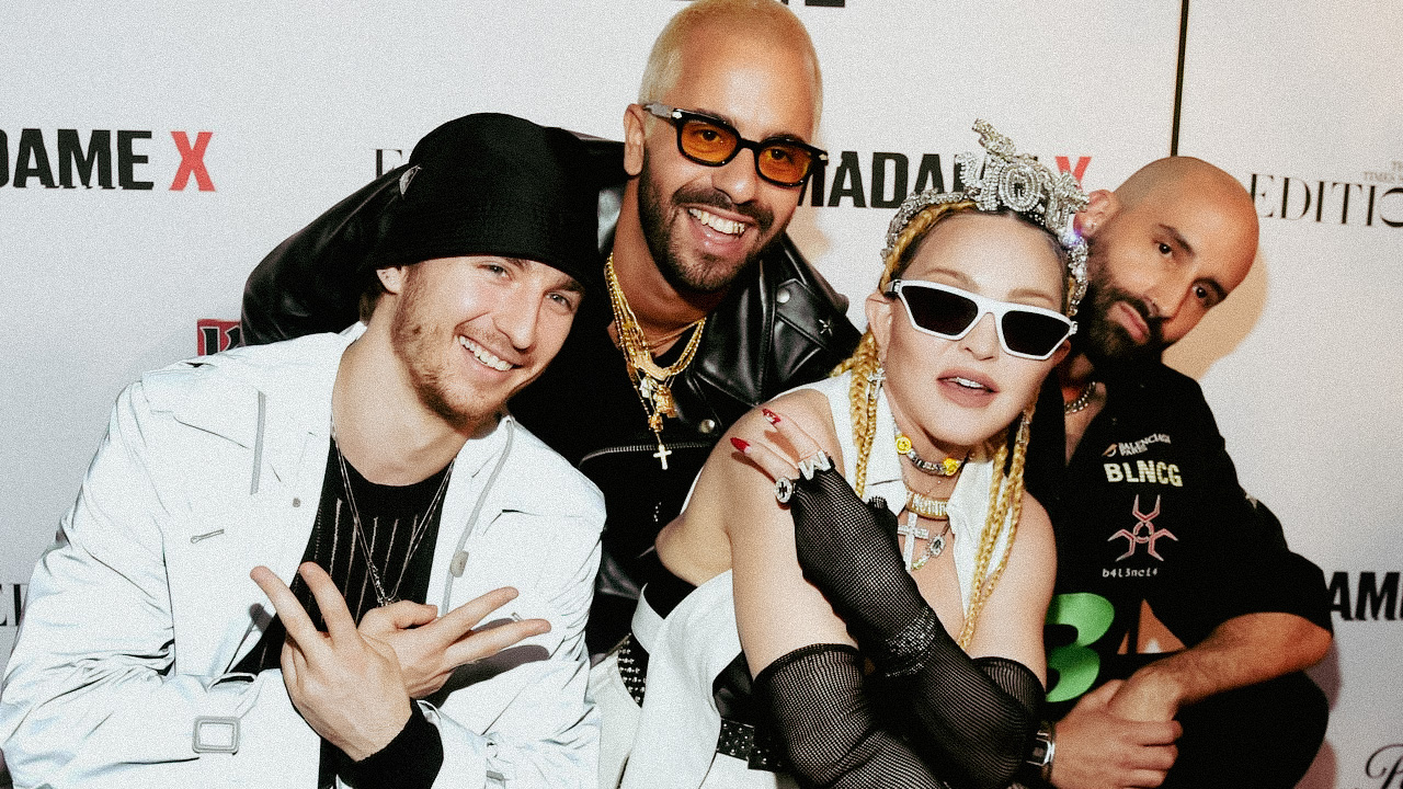 Мадонна презентує проєкт, який був зроблений спільно з українським режисером Сашою Касюгою-Фото 1
