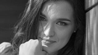 Про що мовчить жінка: Євгенія Подобна, воєнна кореспондентка, журналістка-320x180
