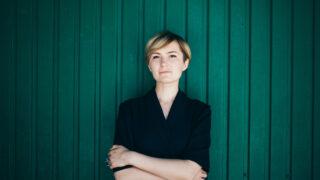 #bookshelfy: Ірина Шиба, правничка та виконавча директорка ГО «Фундація DEJURE»-320x180