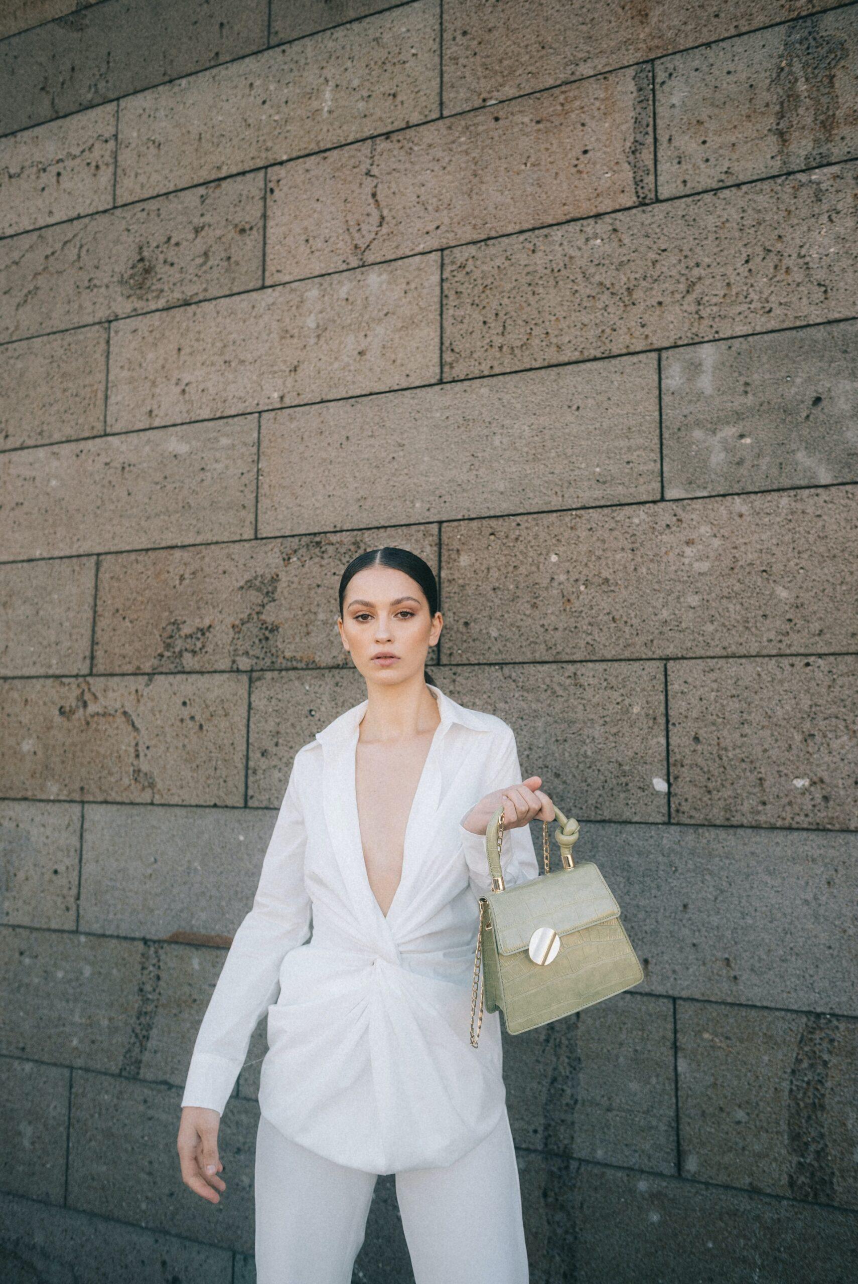 Sustainability Guide: Как определить сумку из веганской кожи: 7 проверенных способов-Фото 3