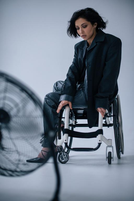 Інклюзивна модель Уляна Пчолкіна у фотосесії Варвари Барто-Фото 3