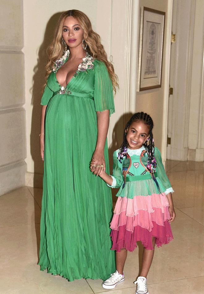 Образ дня  беременная Бейонсе в платье Gucci - фото 2 e0e685d7ff4